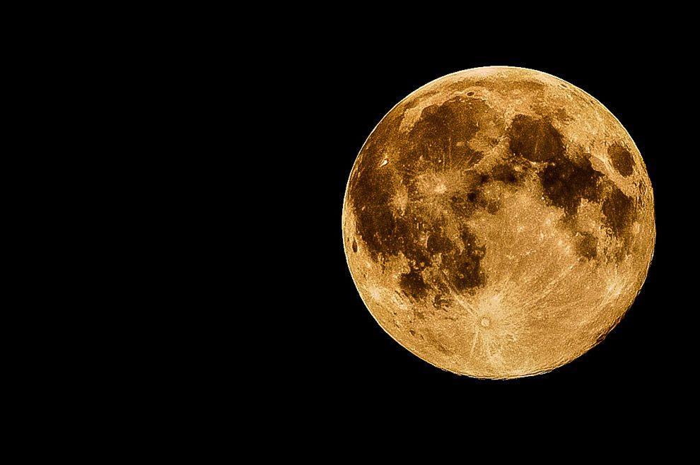 03342f1bd Primeiro dia de 2018 começa com Lua maior e muito mais brilhante ...